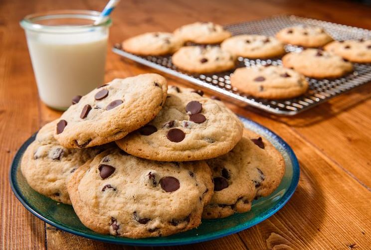 Chocolate Chip Cookies (A Classic!)