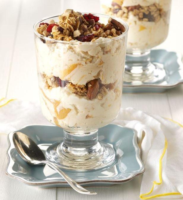 Almond-Vanilla Yoghurt Parfaits