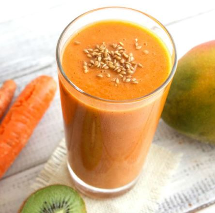 Carrot, Mango & Kiwi Smoothie